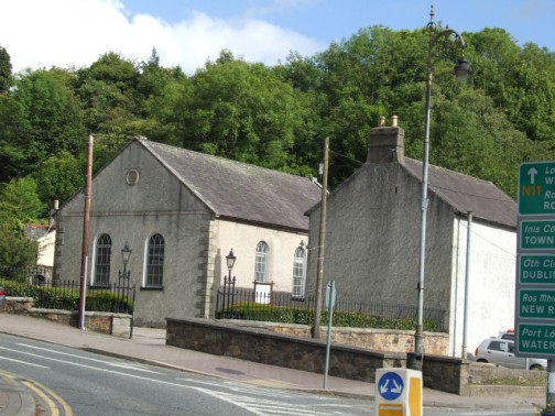 Friends meeting House viewed from the N11