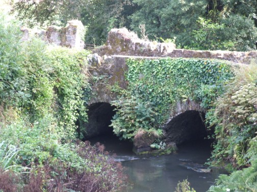 Dual arch road bridge over the River Sow at Randall's Mill