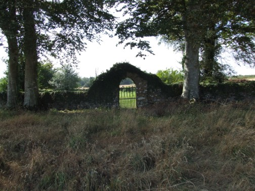 Entrance gate to Ballinclay Burial Ground
