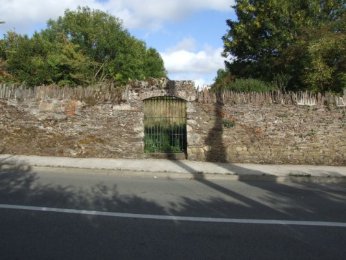 Entrance Gate to New Ross Burial Ground